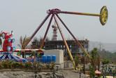 Giant Frisbee pendulum ride: common in China, unique in India!