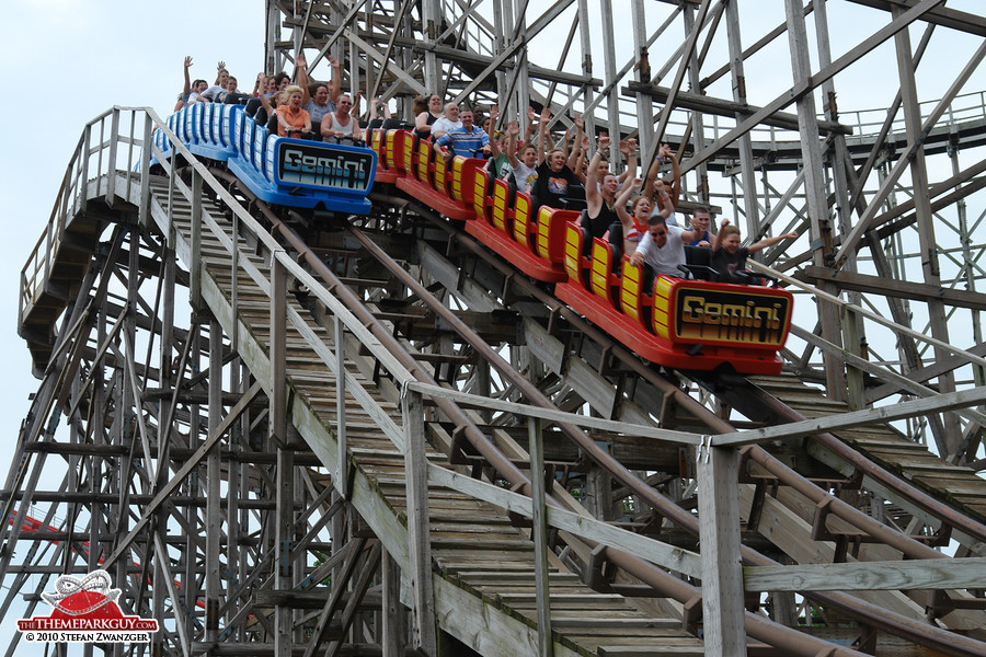Wooden dueling coaster