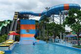 U-shaped family rafting slide