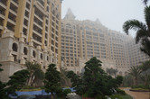 Want to stay next to the park? Here's Hengqin Bay Hotel!