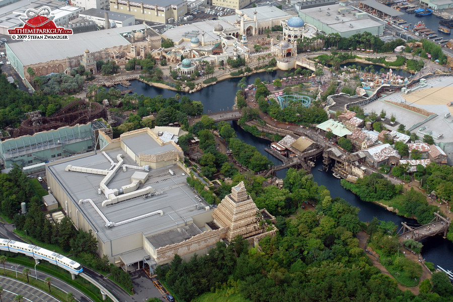 Lost River Delta section in the foreground, Arabian Coast in the background