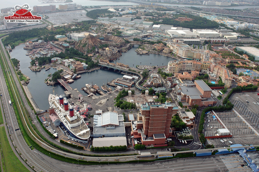 Disneysea photos by the theme park guy tokyo disneysea from above sciox Image collections