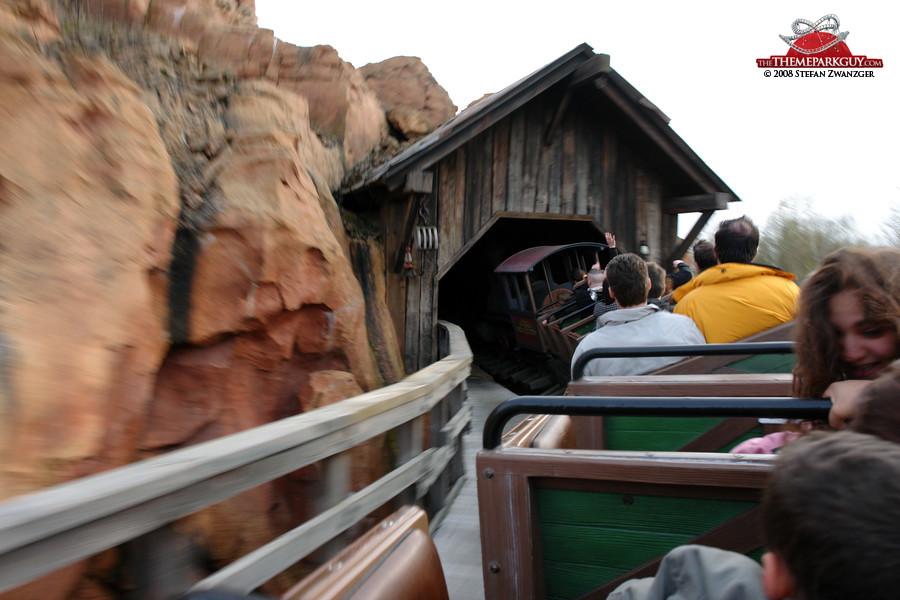 Disneyland Paris photos by The Theme Park Guy