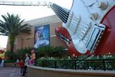 Rock 'n' Roller Coaster entrance