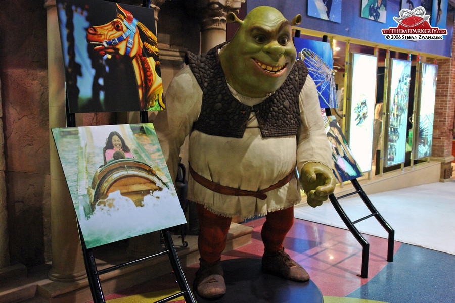 Shrek in the Dubailand sales office
