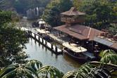 Jungle Cruise loading station