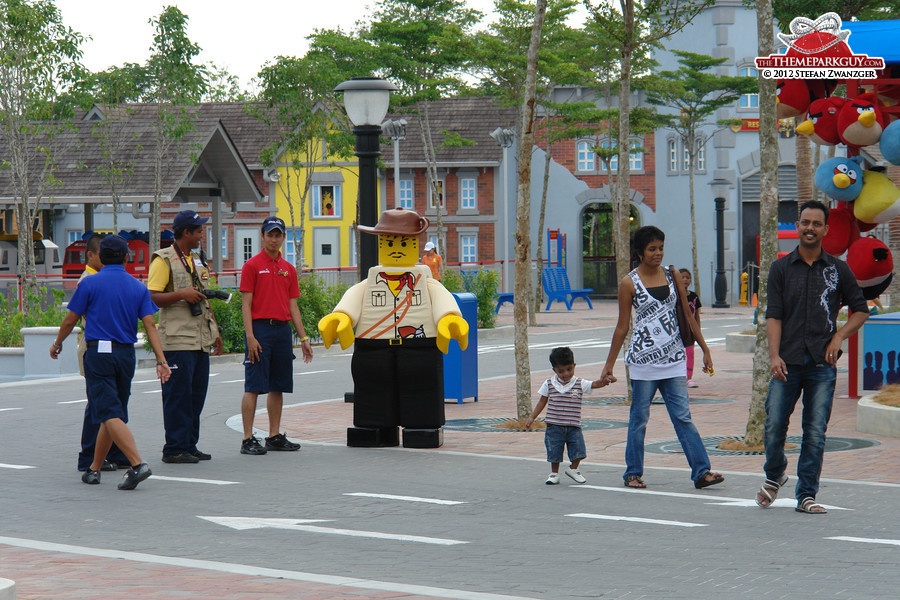 Legoland malaysia photographed reviewed and rated by the theme legoland malaysia entrance meet and greet the lego man m4hsunfo