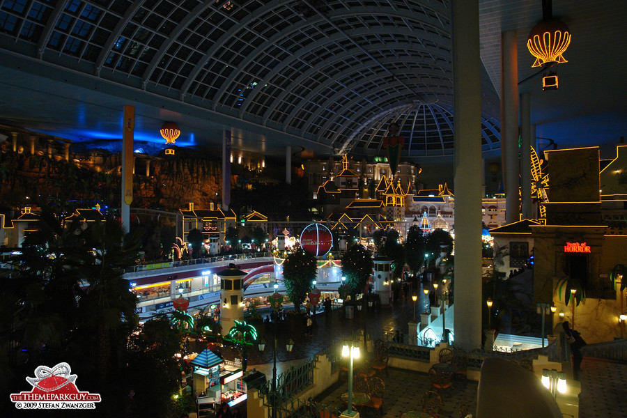 Lotte World at night