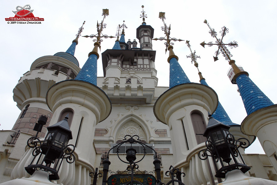 Lotte World's castle looks very Disney-inspired