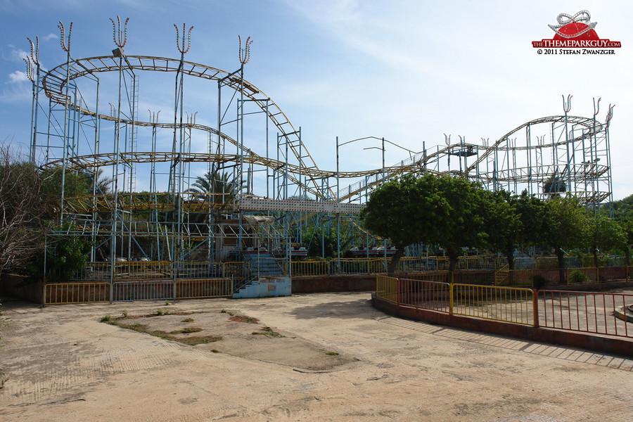 Sindibad's rusty roller coaster