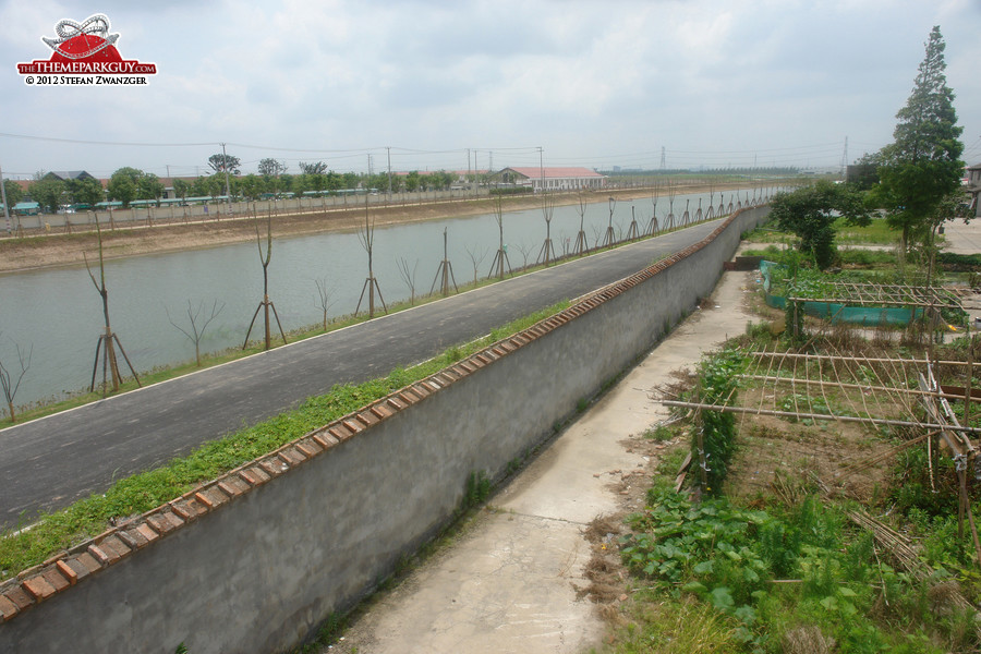 Disney site (left), separation wall (middle), Shanghai suburbia (right)
