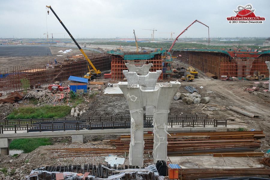 One of the main Shanghai Disney access roads under construction