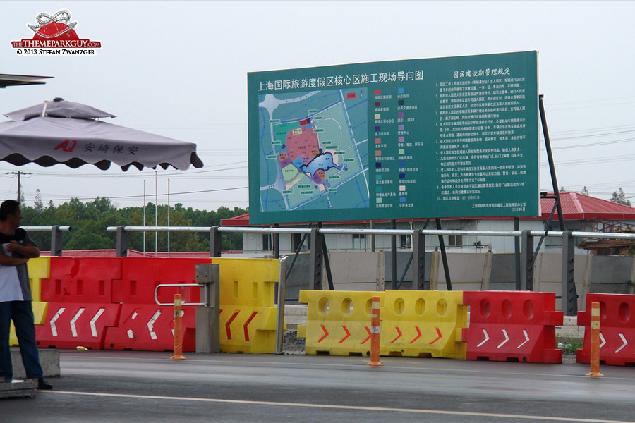 ...apart from a Shanghai Disney Resort project map, all in Chinese!