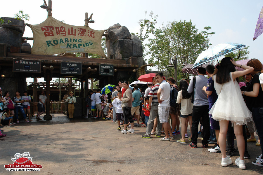 Long and unruly queues leading to Roaring Rapids