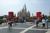 Shanghai Disneyland castle: Cinderella's Tower of Terror