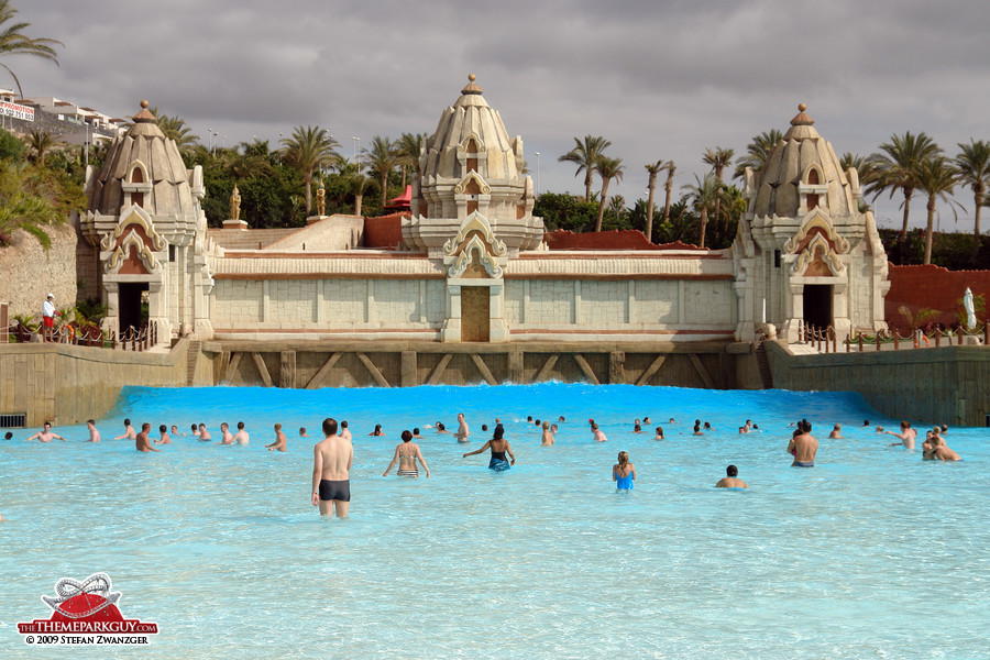 Siam Park Tenerife wave pool
