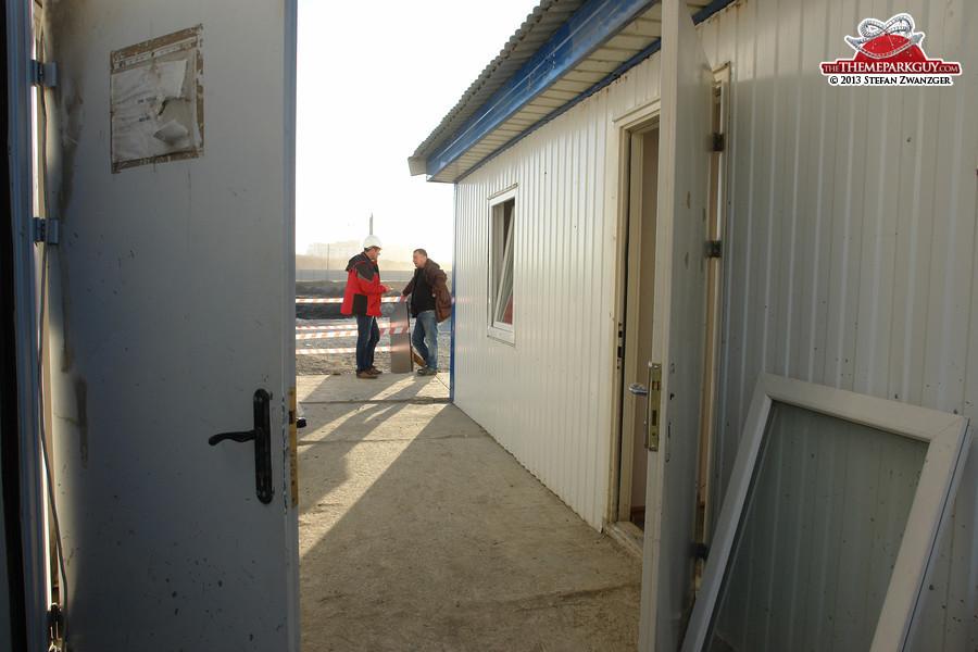 Discussions between open doors