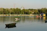 Lake in the center of Eram Park