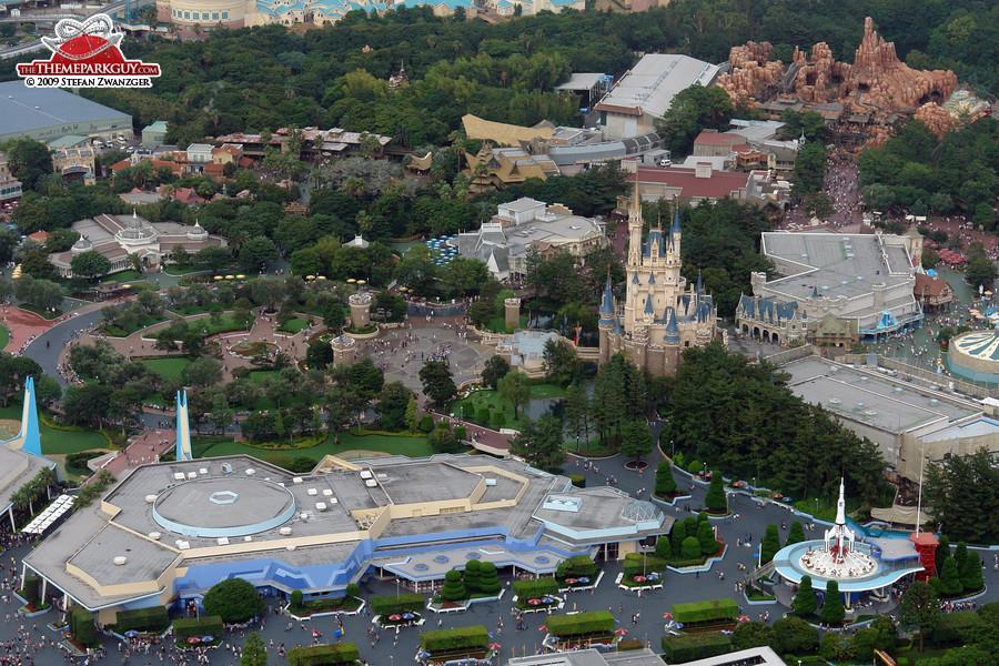 Tokyo Disneyland scenery