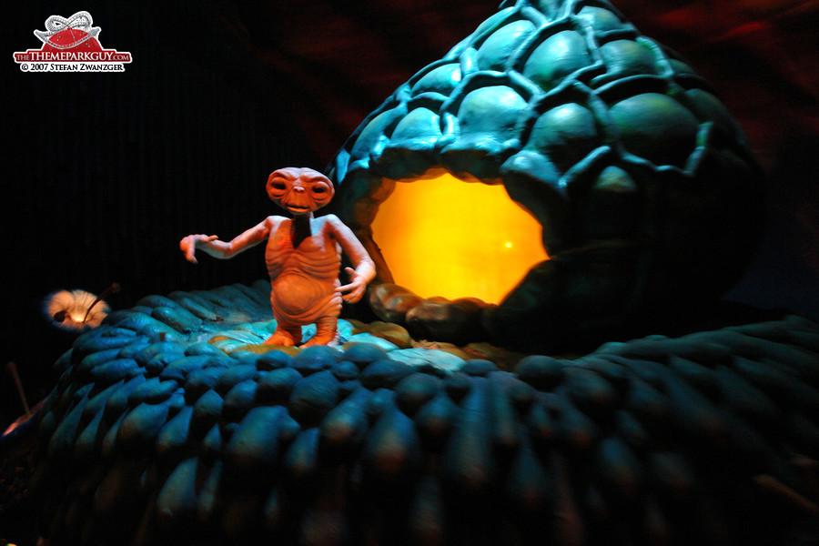 E.T. in his dark ride