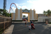 Warner Brothers Movie World entrance
