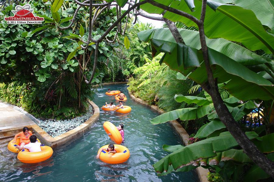 Lazy river, jungle-style
