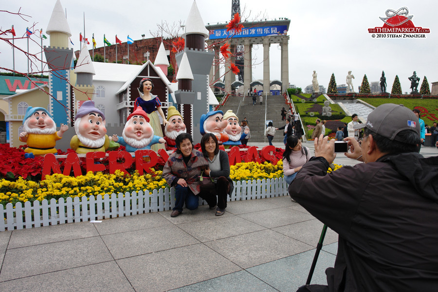 Photo session with the dwarves